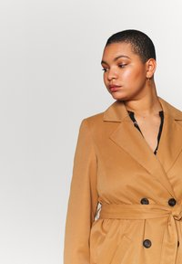 Vero Moda Curve - VMBERTA JACKET - Trench - tobacco brown - 3