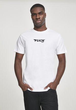 MISTER TEE HERREN FUCK OFF WINGS TEE - Print T-shirt - white