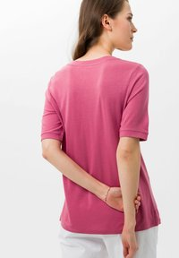 BRAX - STYLE COLETTE - Basic T-shirt - magnolia - 2