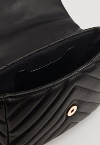 Topshop - CARL PANTHER QUILTED - Torba na ramię - black - 5
