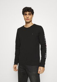 Tommy Hilfiger - LOGO LONG SLEEVE TEE - T-shirt à manches longues - black - 0