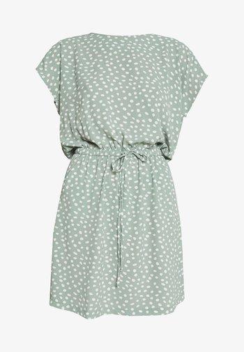 ONLMARIANA MYRINA DRESS - Robe d'été - chinois green