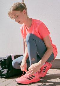 adidas Performance - TEE H.RDY - Print T-shirt - pink - 4