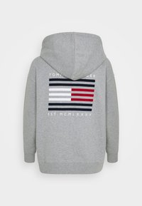 Tommy Hilfiger - OVERSIZED FLAG HOODIE - Zip-up hoodie - light grey heather - 1
