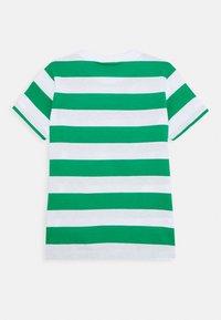 Benetton - T-shirt z nadrukiem - green/white - 1
