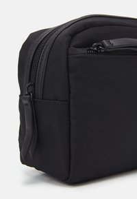 Pier One - UNISEX - Trousse - black - 4