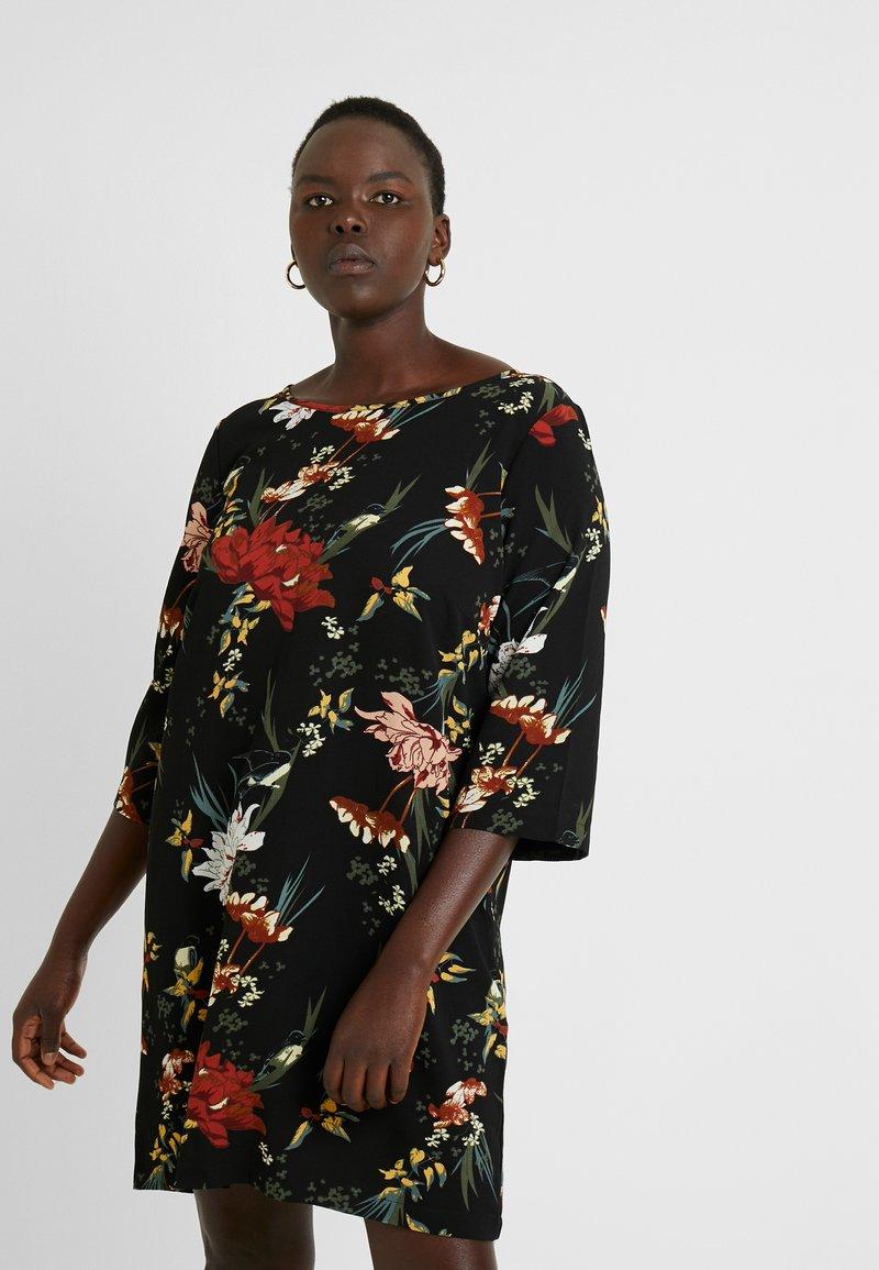 ONLY Carmakoma - CARLUXANNA KNEE DRESS - Day dress - black flower