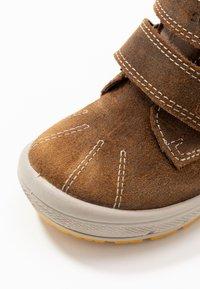 Superfit - GROOVY - Zimní obuv - braun - 5