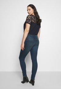 Zizzi - AMY  WITH ZIP DETAIL - Jeans Skinny Fit - blue denim - 2