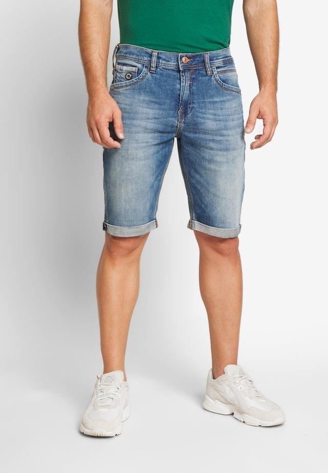 LANCE - Denim shorts - light blue denim
