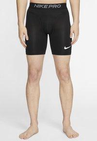 Nike Performance - Korte sportsbukser - black/white - 0