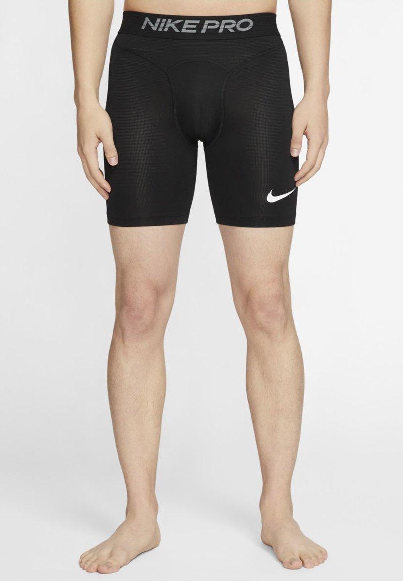 Nike Performance - Korte sportsbukser - black/white