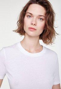 ARMEDANGELS - LIDAA  - Basic T-shirt - white - 3