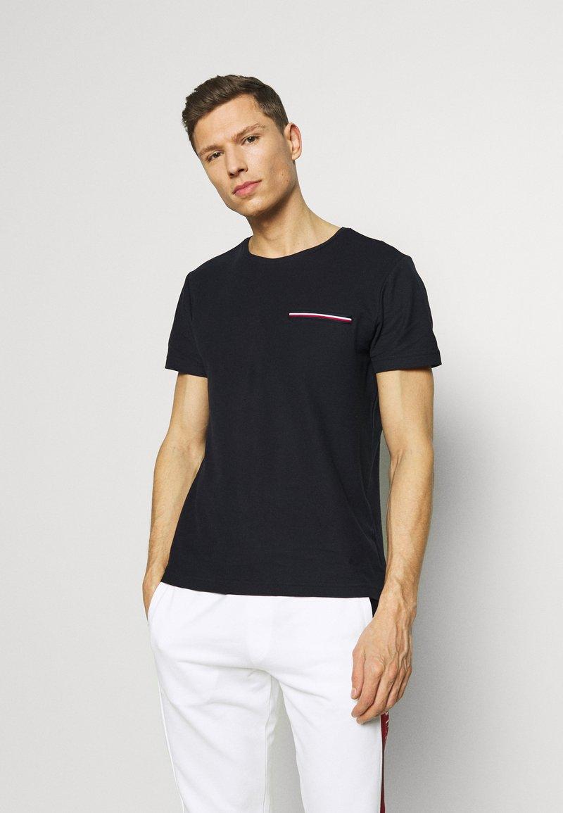 Tommy Hilfiger - T-shirt z nadrukiem - blue