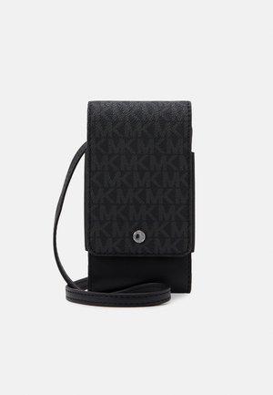 EXPANDABLE PHONE LANYARD UNISEX - Across body bag - black