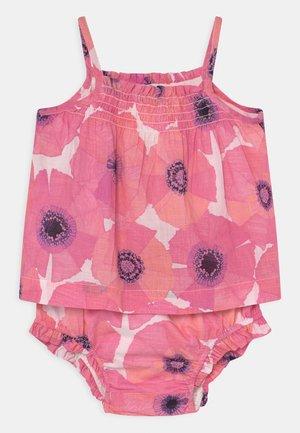 SET - Débardeur - pink