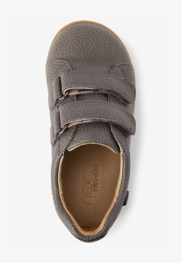 Boty se suchým zipem - grey