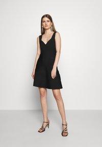 Hervé Léger - ICON FLARE SKIRT DRESS - Robe de soirée - black - 1