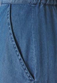Culture - MINDY SKIRT - A-linjainen hame - light blue wash - 2