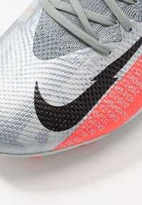 Nike Performance - MERCURIAL VAPOR 13 PRO FG - Fotbollsskor fasta dobbar - metallic bomber grey/black/particle grey - 5