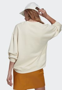 adidas Originals - ADICOLOR ESSENTIALS SWEATSHIRT - Sweatshirt - white - 2