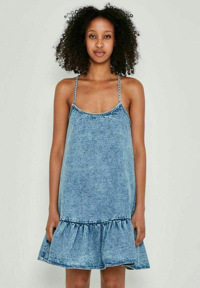 Vestito di jeans - light blue denim