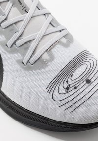 Nike Performance - ZOOM PEGASUS TURBO 2 - Zapatillas de competición - pure platinum/black/reflective silver - 7