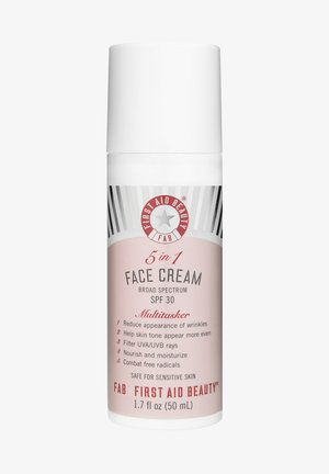FIRST AID BEAUTY 5 IN 1 FACE CREAM SPF30 - Face cream - -