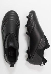Umbro - MEDUSÆ III ELITE FG - Moulded stud football boots - black/black reflective - 1
