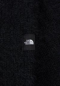 The North Face - PLUSH SCARF - Hals- og hodeplagg - black - 2