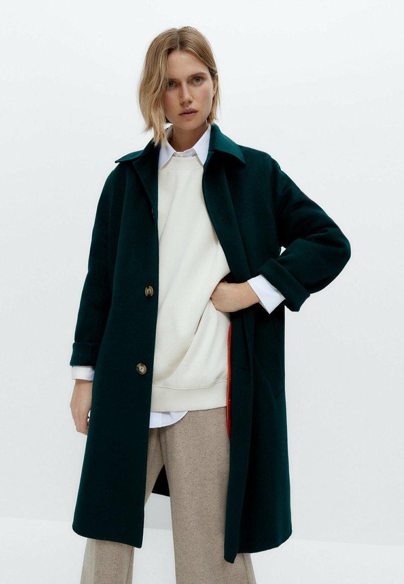 Uterqüe - Classic coat - green
