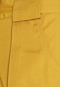 Nike Sportswear - REISSUE - Shorts - wheat/sail - 3