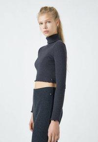 PULL&BEAR - Langærmede T-shirts - black - 3