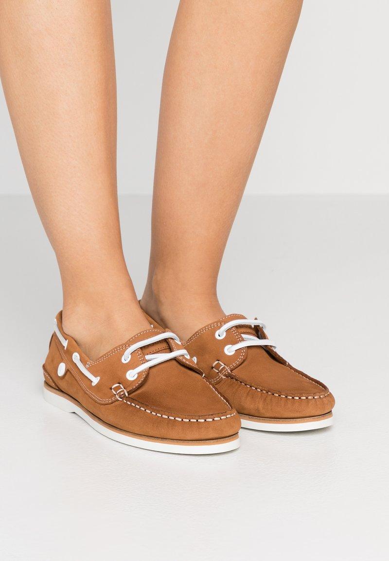 Barbour - BOWLINE BOAT - Boat shoes - tan