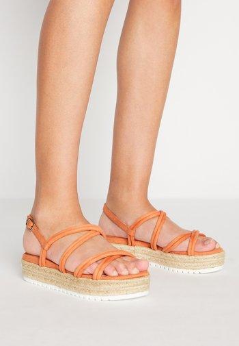 AMELIE - Platform sandals - melocoton
