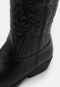 Rubi Shoes by Cotton On - DEVON TALL WESTERN BOOT - Biker-/cowboynilkkurit - black - 4