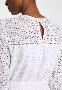 GAP - EYELET DRESS - Sukienka letnia - optic white - 6