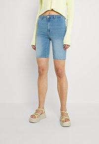 ONLY - ONLROYAL BIKE - Jeansshorts - light blue denim - 0