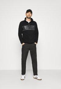 INDICODE JEANS - KINGSMILL - Fleece jumper - black - 1