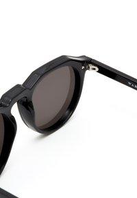 Hawkers - WARWICK VENM HYBRID - Sunglasses - black - 4