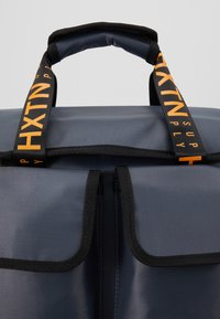 HXTN Supply - UTILITY TRAVELLER - Rucksack - charcoal - 8