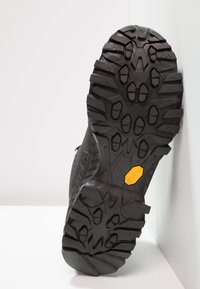 La Sportiva - STREAM GTX - Hiking shoes - black/yellow - 4