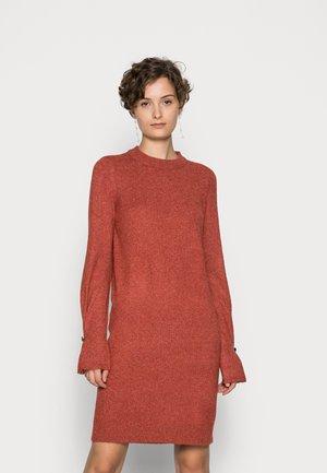 VMWILJA  O NECK DRESS - Jumper dress - chili oil