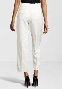 Cinque - HOSE CISOFIA - Trousers - offwhite - 2