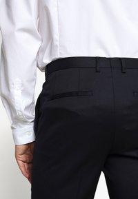 HUGO - HARTLEY - Oblekové kalhoty - dark blue - 7