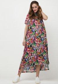 Madam-T - ADELINARA - Maxi dress - schwarz rosa - 0