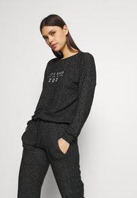 Marks & Spencer London - COSY CUFF PANT - Pyjama bottoms - black - 3