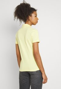 Lacoste - Polo shirt - gelb - 2