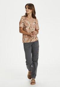 Cream - CRLULLA - Print T-shirt - rose brown paisley - 1