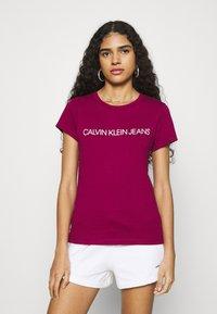 Calvin Klein Jeans - INSTITUTIONAL LOGO TEE 2 PACK - Triko spotiskem - purple - 1